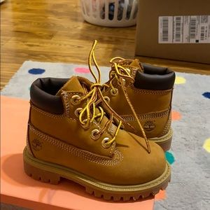 6c Authentic Timberland Boots